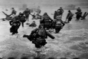 Omaha Beach - Robert Capa