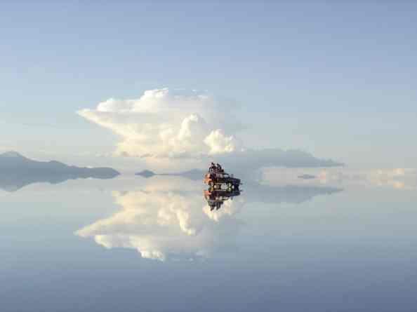 Reflejos en el Salar de Uyuni, Bolivia - debichospiedrasyplantas.wordpress.com