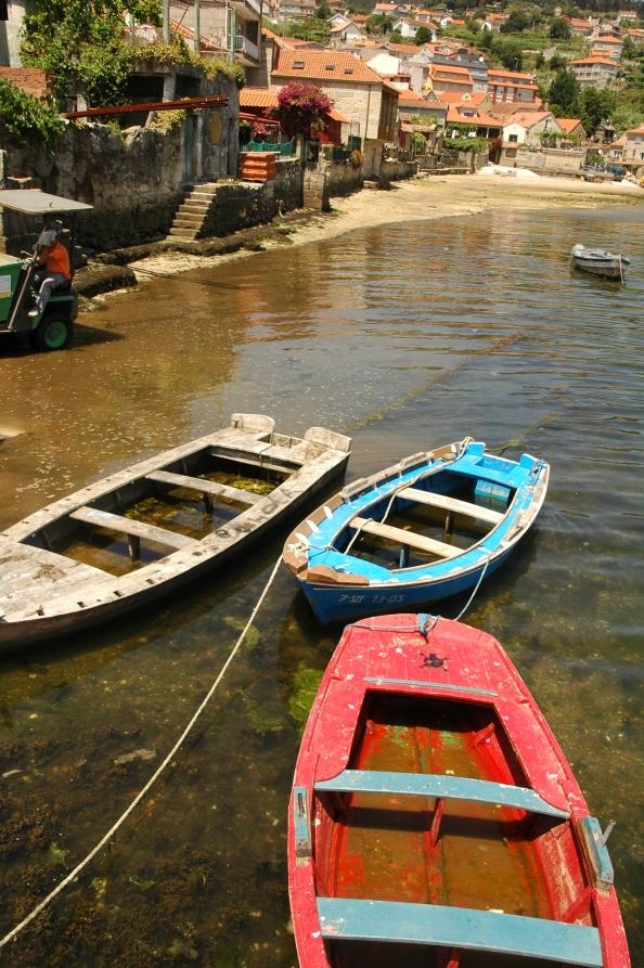 Barcas de pesca en Combarro, Pontevedra - Foto por Mi Lawrence - www.milawrence.com
