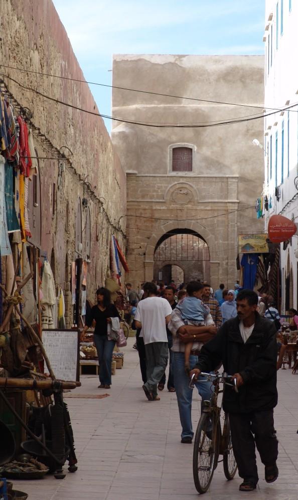 Essaouira, Marruecos - interior de la medina - Foto por Mi Lawrence