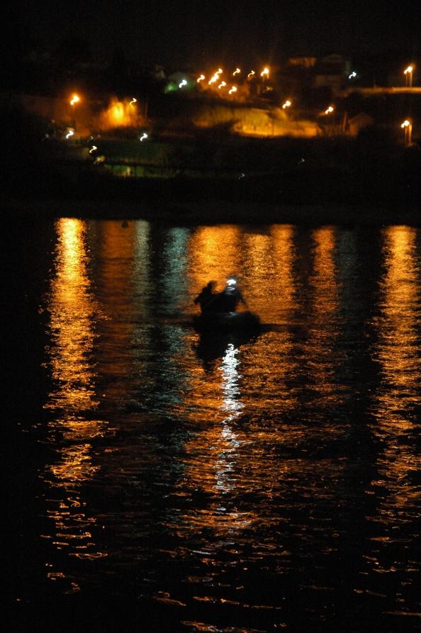 Recogiendo a corsarios de última hora en tierra  - Foto por Mi Lawrence - www.milawrence.com
