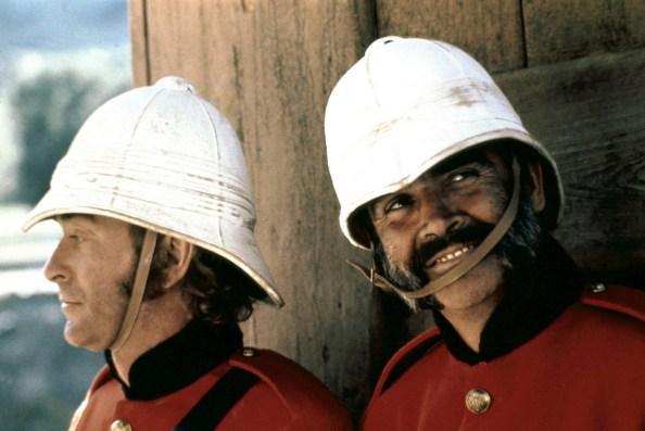 """Michael Caine y Sean Connery en """"El hombre que pudo reinar"""" (1975)"""