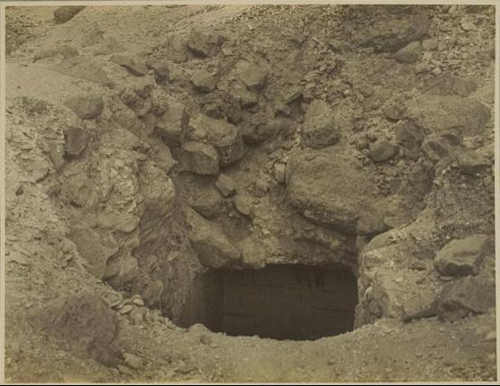 Entrada a la tumba de Tutankhamon - Foto por Harry Burton - Archivo de la Universidad de Heidelberg