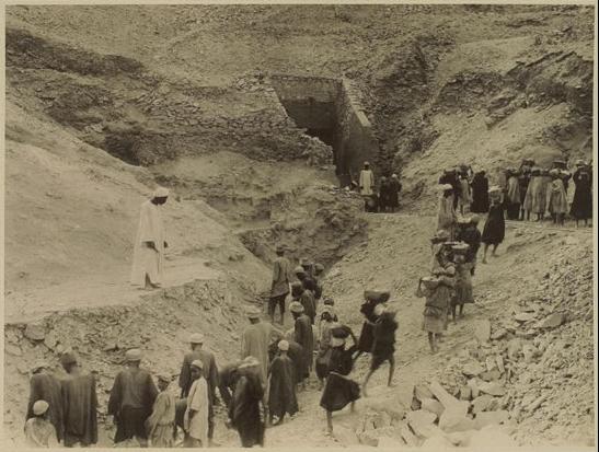Trabajos en la excavación de Tutankhamon - Foto por Harry Burton