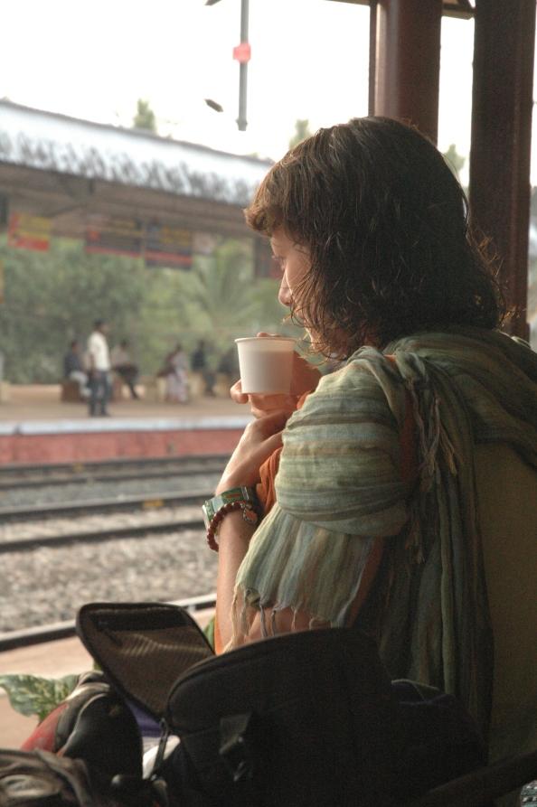 Esperando el tren, India - Foto por Mi Lawrence