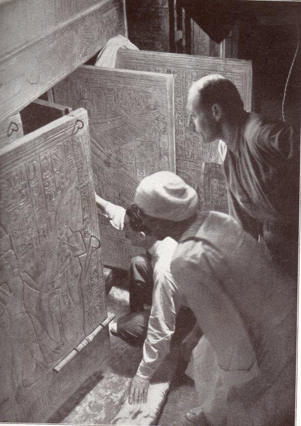 El momento en el que Carter abre los féretros de Tutankhamon - Foto NY Times