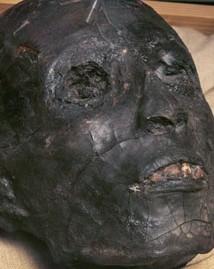 La momia de Tutankhamon