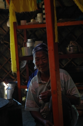 Mongolia, 2005. Abuela nómada en su tienda - Foto por Mi Lawrence