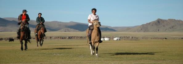 Mongolia, 2005. Nómadas a caballo. Foto por Mi Lawrence