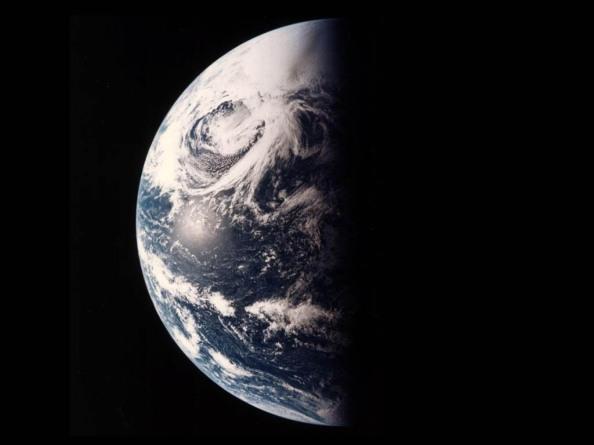 La Tierra desde el espacio, el día y la noche