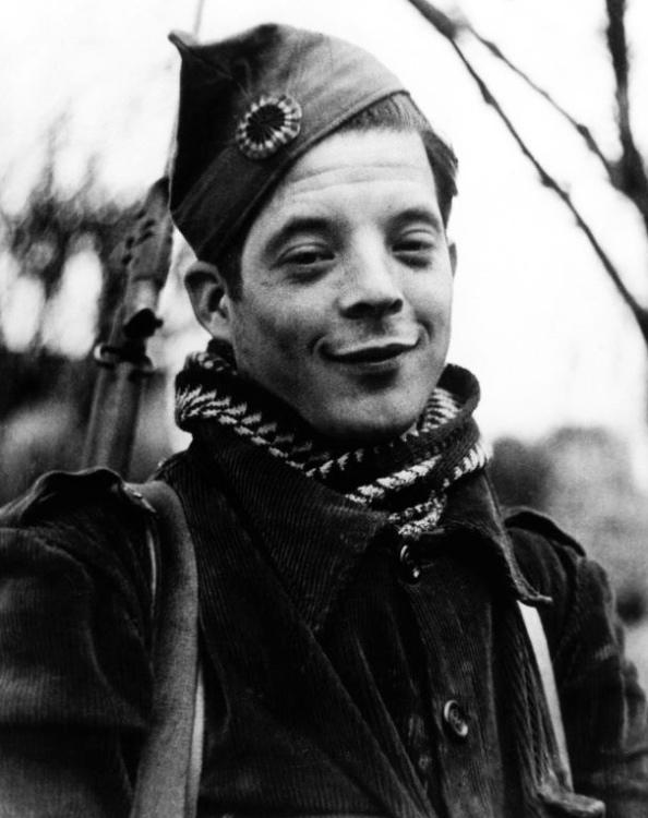 Miembro de las milicias internacionales en Madrid, Diciembre 1936 - Foto Robert Capa